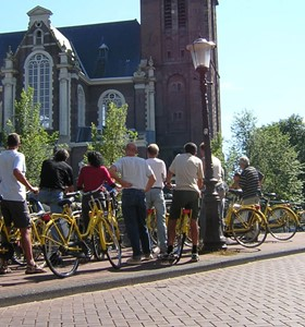 Amsterdam Bike Or Walking Tour Which Is Better