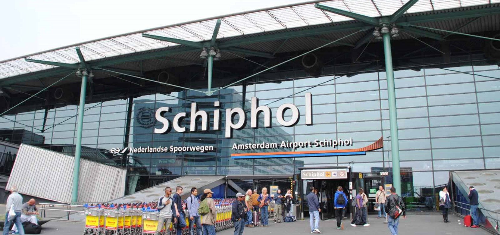 Start your Dutch adventure at Amsterdam Airport