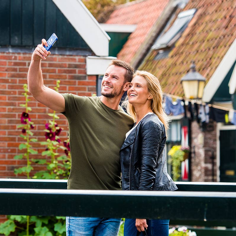 Couple taking selfie on the Countryside & Windmills Tour.