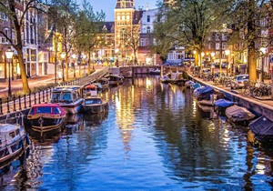 10 Fun facts about Amsterdam canals
