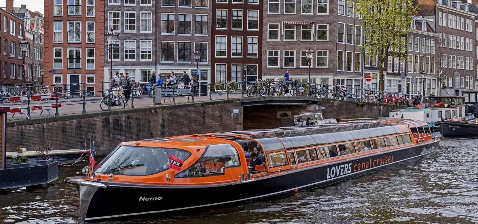 What's happening in Amsterdam during the holidays?